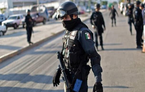 В одном из районов Мексики застрелили последнего полицейского