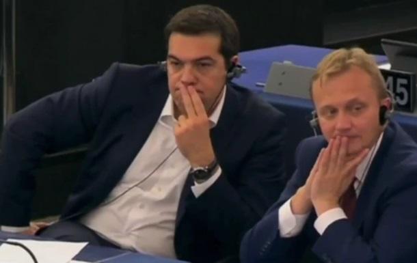 Як Ципраса вичитали в Європарламенті: відео рве соцмережі