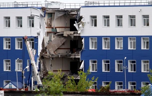 Итоги 13 июля: Продолжение конфликта на Закарпатье, обвал казармы в Омске