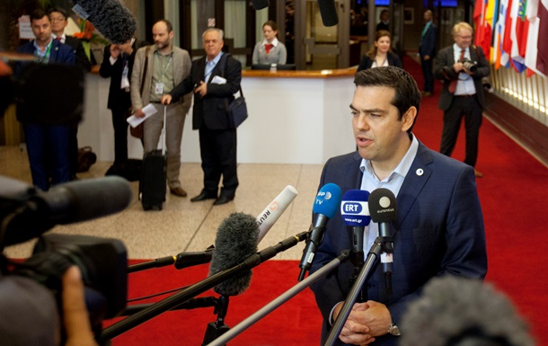 Премьер Греции согласен и на €10-15 млрд для банков
