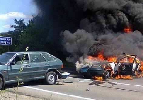 Инцидент в Мукачево. Командир  Правого сектора  - бывший мент-контрабандист