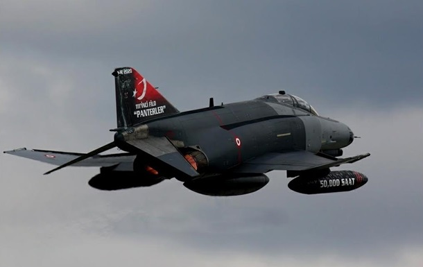 Турецкие истребители вторглись в Грецию - СМИ