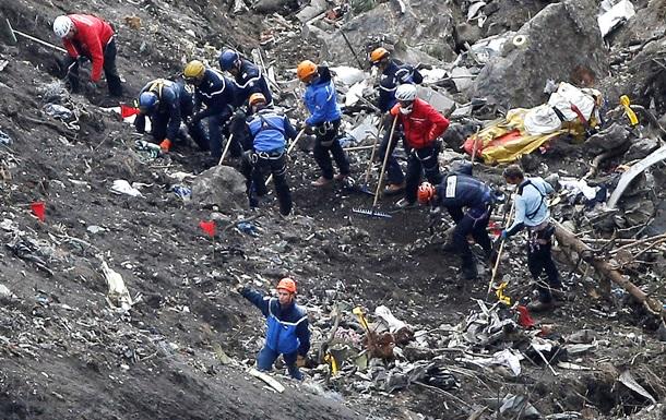 Родственников жертв крушения самолета в Альпах не устраивает размер выплат