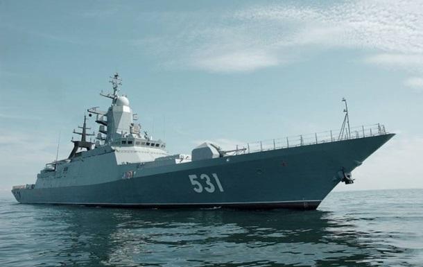 У границ Латвии засекли российские военные корабли