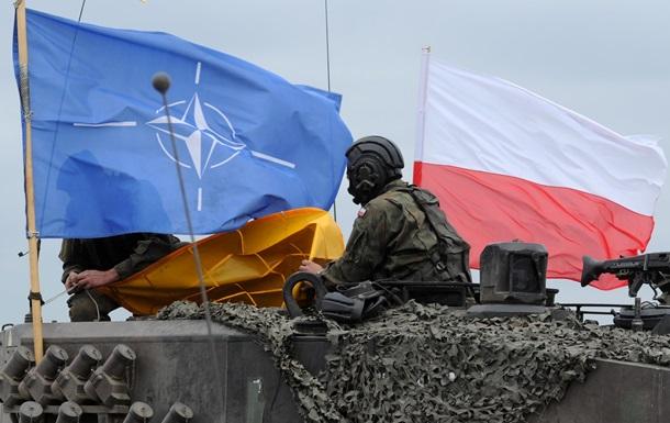 Польша увеличила расходы на армию  в ответ на действия России