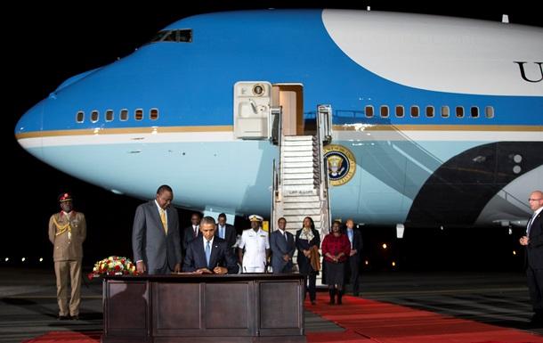 Обама прибыл в Кению, на родину отца