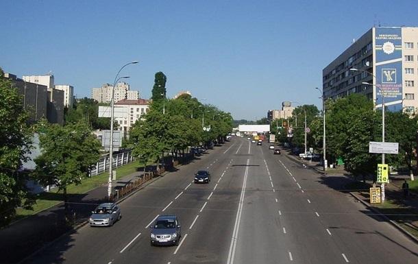 В Киеве ограничат движение из-за ночного пробега