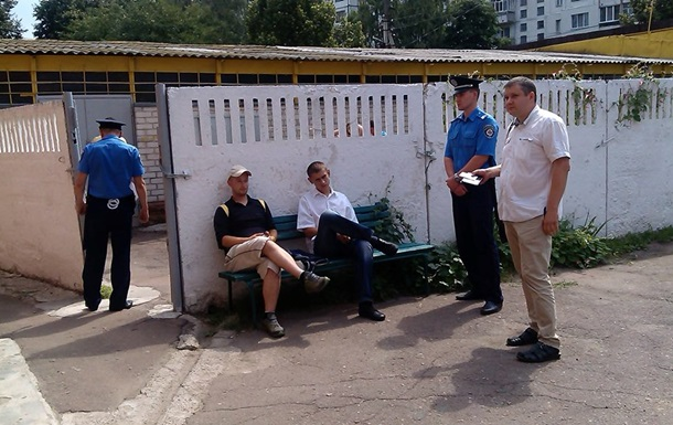 В Чернигове засекли журналистов с поддельными документами