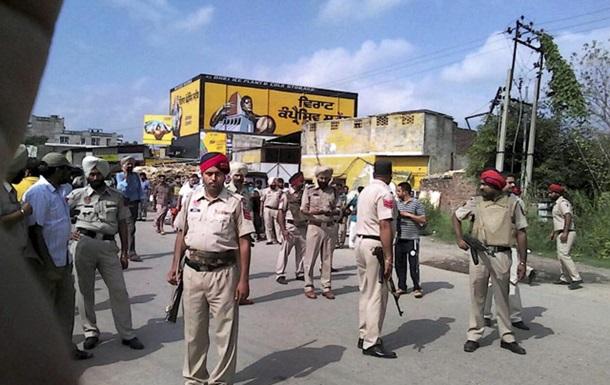 В Индии в ходе освобождения полицейского участка убиты 8 человек