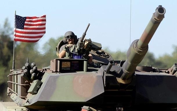 Латвия начала переговоры о размещении военной техники США на своей базе
