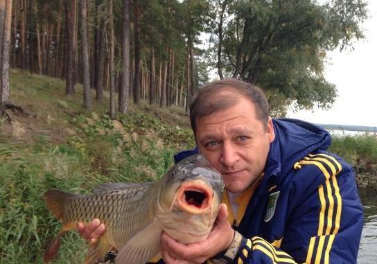 Скучное лицо оппозиционного рыболова