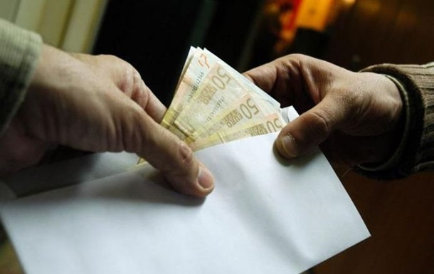 Сумма взятки в РФ за год выросла в два раза - СМИ