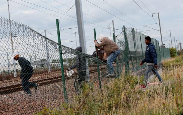 Почти 400 мигрантов снова пытались проникнуть в тоннель под Ла-Маншем
