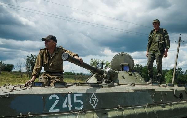 Сутки в АТО: обстрелы вблизи Донецка и бой у Ленинского