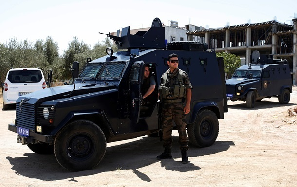 Турецкая полиция начала операцию по задержанию экстремистов