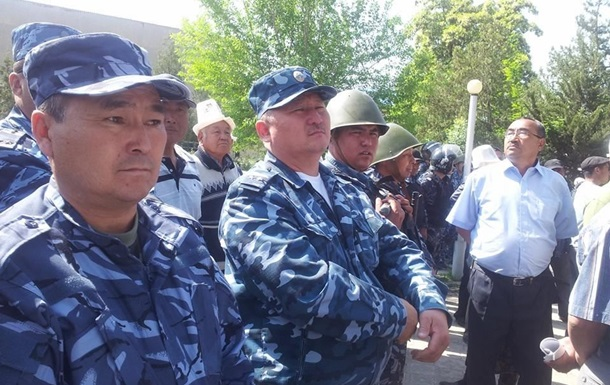 На таджикско-киргизской границе не утихает конфликт