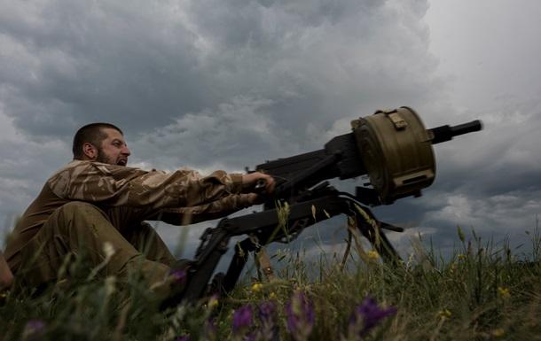 За день сепаратисты более 70 раз обстреляли украинских военных - штаб АТО