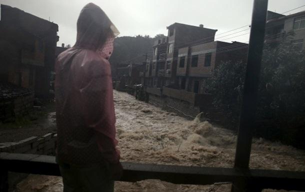 На востоке Китая 14 человек погибли из-за тайфуна