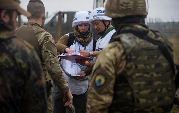ОБСЕ: Украинские КПП обстреляны запрещенными орудиями