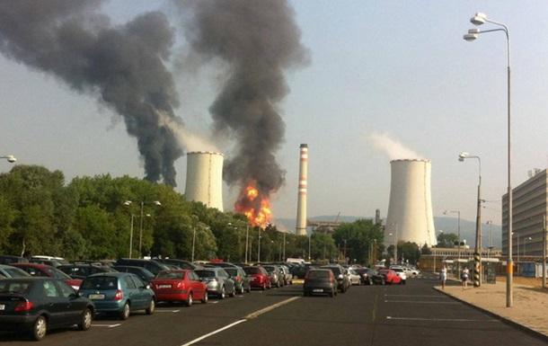 На нефтеперерабатывающем заводе в Чехии вспыхнул пожар