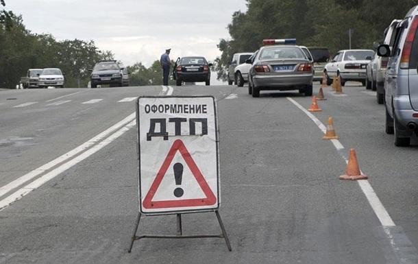 ДТП з військовими під Волновахою: загинула одна людина, двоє постраждали
