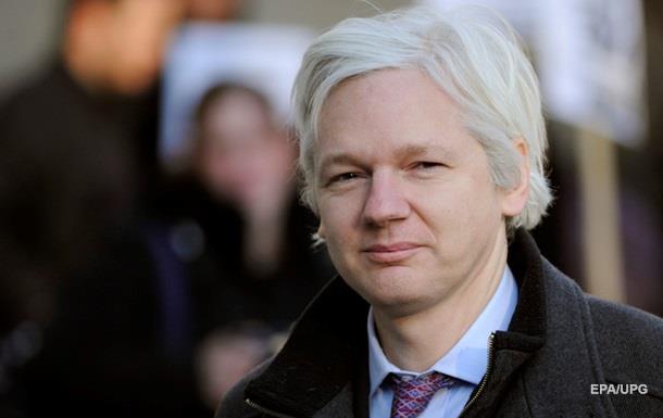 В Швеции с Джулиана Ассанжа сняли часть обвинений