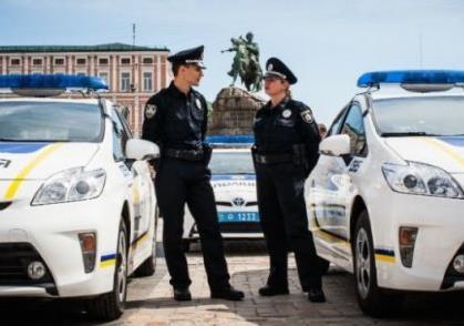 Месяц работы национальной полиции: насколько успешен старт