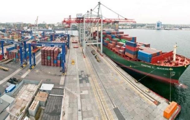 Украинский экспорт снизился еще в полтора раза