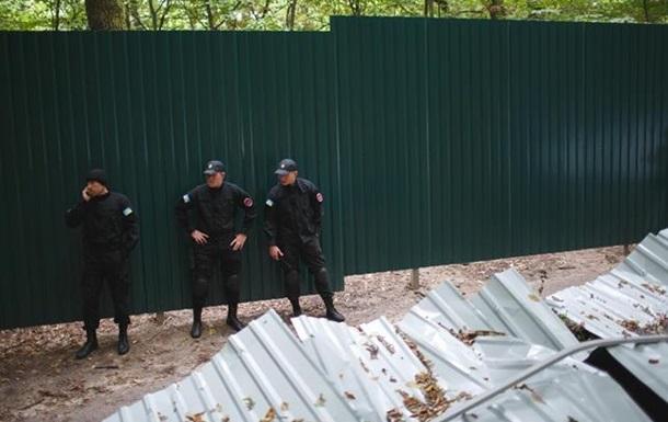 Сокральность строительного забора в новой Украине.
