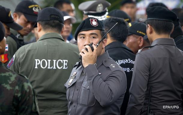Двое подозреваемых во взрыве в Бангкоке явились в полицию