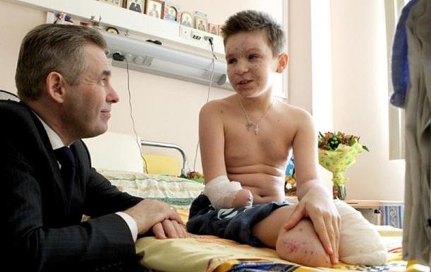 Путин дал российское гражданство раненному в Донбассе ребенку