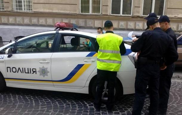 Полиция во Львове попала в ДТП через день после присяги