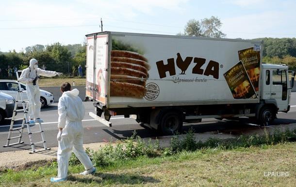 В Австрии найден грузовик с 26 мигрантами, включая детей