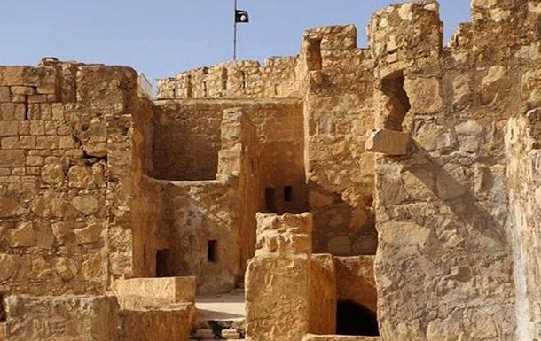 Боевики Исламского государства разрушили часть храма в Пальмире