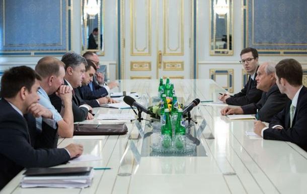 Порошенко просит переговорщиков отговорить сепаратистов проводить выборы