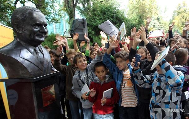 В школах Польши запретили продавать чипсы и шоколадные батончики