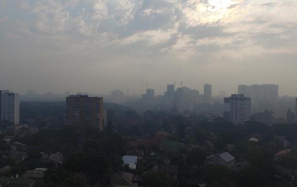 Правый берег тоже в дыму, вид с квадрокоптера, высота 50 метров