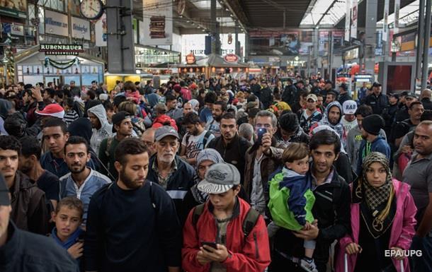 Волонтеры из Австрии и Германии помогают мигрантам уехать из Венгрии