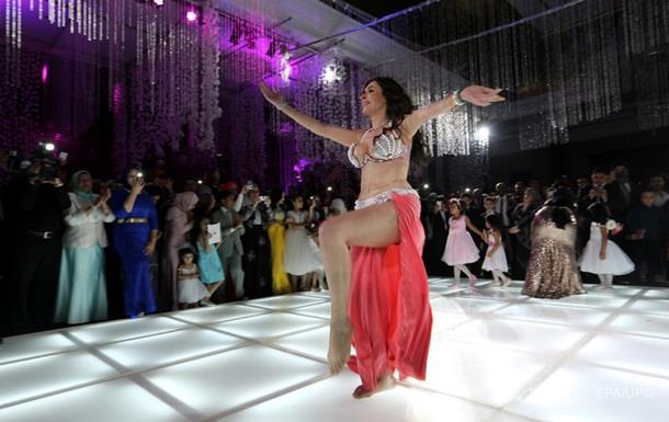 В Египте за танец живота арестовали двух танцовщиц