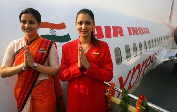 Air India отстранит от полетов 125 бортпроводников с лишним весом