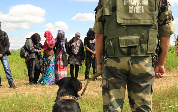 На Закарпатье пограничники задержали 11 нелегалов из Афганистана