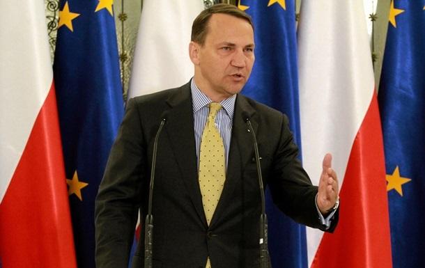 Сикорский: Миграционный кризис может повлиять на отмену виз для Украины