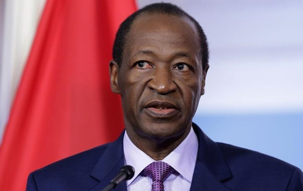 Мятежники отпустили временного президента Буркина-Фасо