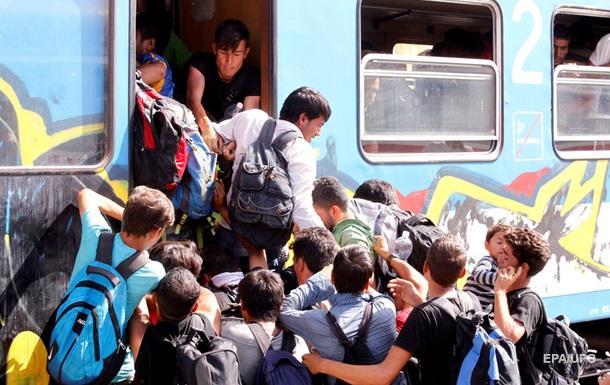 Хорватия свозит беженцев к венгерской границе