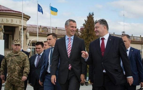 Порошенко и генсек НАТО открыли учения на Львовщине