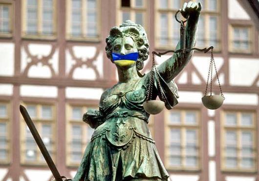 Европа в упор не замечает установившийся в Украине тоталитарный режим
