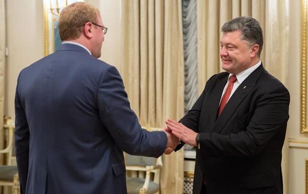 Порошенко назначил журналиста послом Украины в Канаде
