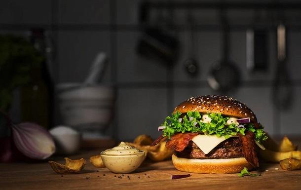 McDonald's предложил посетителям люксовые гамбургеры