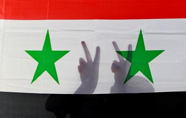 Россия не может позволить Сирии развалиться - Лавров