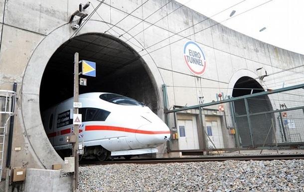 Евротоннель остановил работу из-за прорыва мигрантов